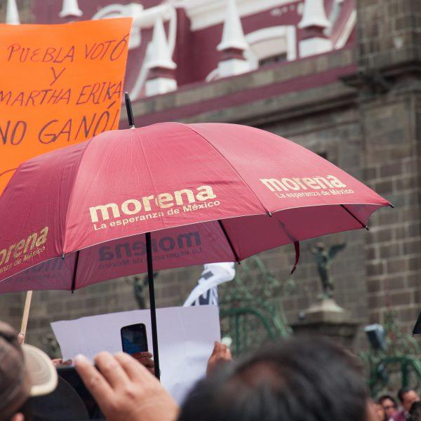 Domingo, 12 de Agosto, 2018. Ciudad de Puebla, México - Personas en apoyo a Miguel Barbosa Huerta y Morena. Foto por Javier Soriano/LoveIsAmor.com