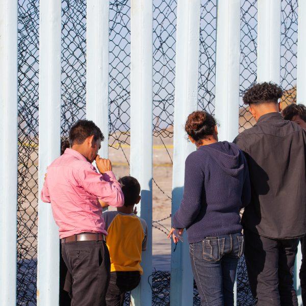 Tijuana, Baja California. Mexico. Sunday, November 25th, 2018 - Immigrants from Central America at the Mexico - US border. Credit: LoveIsAmor.com